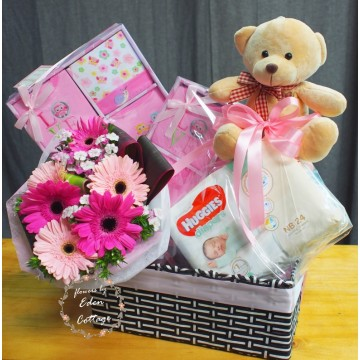 Baby Gifts Hamper NB03