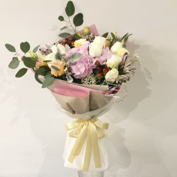 Roses Premium and Hydrangea Bouquet HBR13
