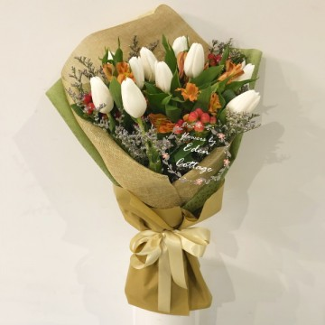 Tulips White Bouquet HBT4