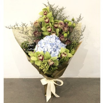 Unique Flowers Bouquet HBU15