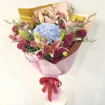 Unique Flowers Bouquet HBU16
