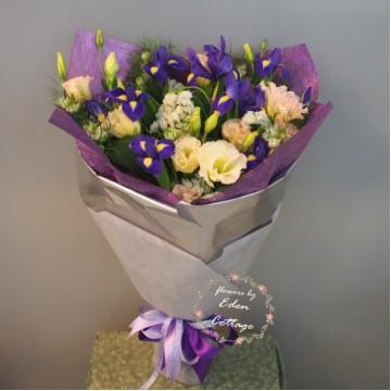 Iris Bouquet IHB1