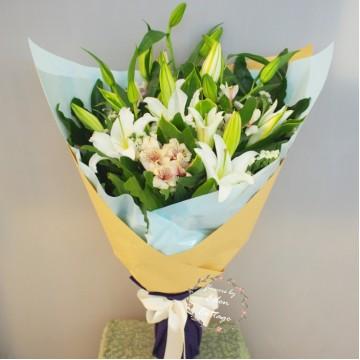 Lily Bouquet LHB17