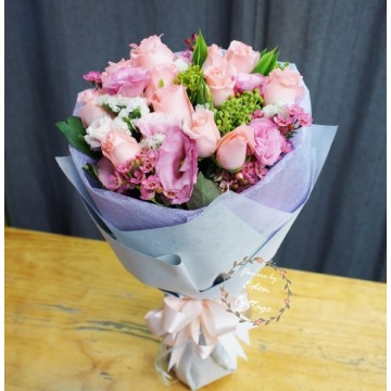 Roses Pink Bouquet RHB12