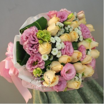 Roses Champagne Bouquet RHB15