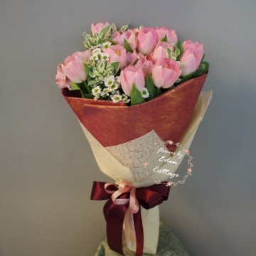 Tulip Pink Bouquet THB9