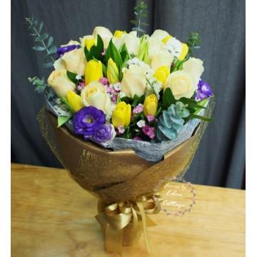 Unique Mix Flowers Bouquet UHB12