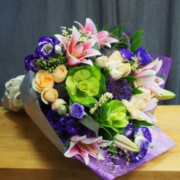 Unique Mix Flowers Bouquet UHB17