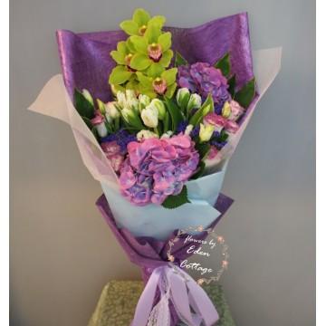 Unique Mix Flowers Bouquet UHB23