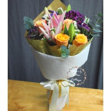 Unique Mix Flowers Bouquet UHB4
