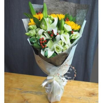 Unique Mix Flowers Bouquet UHB6