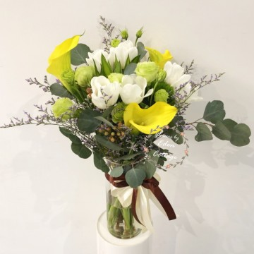 Calla lily and tulip In vase FAV12