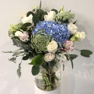 Hydrangea In vase FAV13