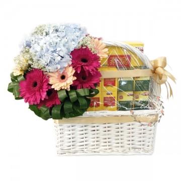 Wellness Tonics Basket & Flowers TNF10