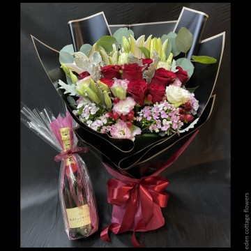 Roses and Lilies Bouquet with Champagne WCF4