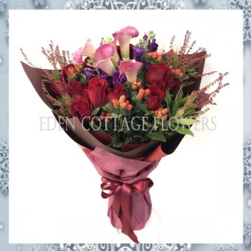 Christmas Red Roses and Calla Lilies bouquet XMF7